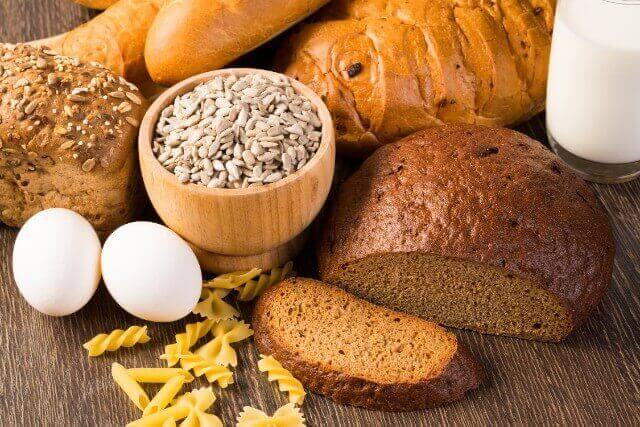 簡単に家で作れる風味豊かな雑穀パンレシピ